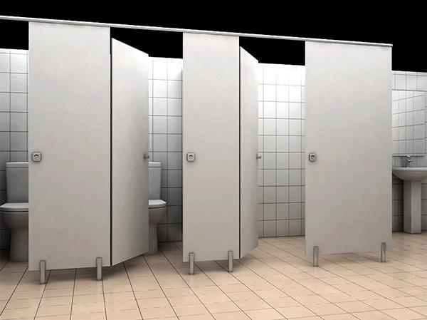 Trường học nên dùng vách ngăn vệ sinh nào?