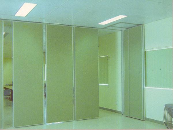 Vách ngăn văn phòng di động có độ dày 65mm là phù hợp
