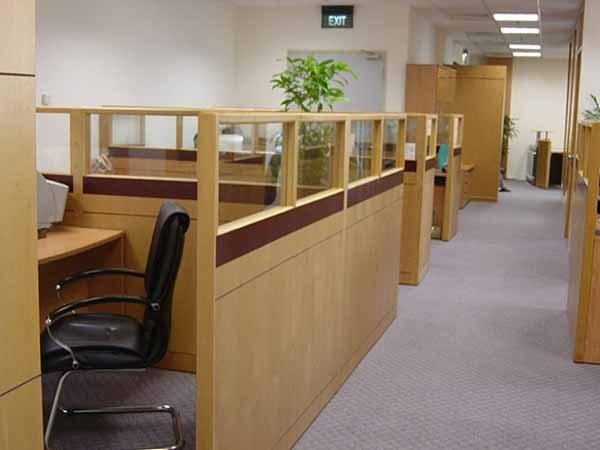 Dựa theo tính linh hoạt để chọn vách ngăn văn phòng