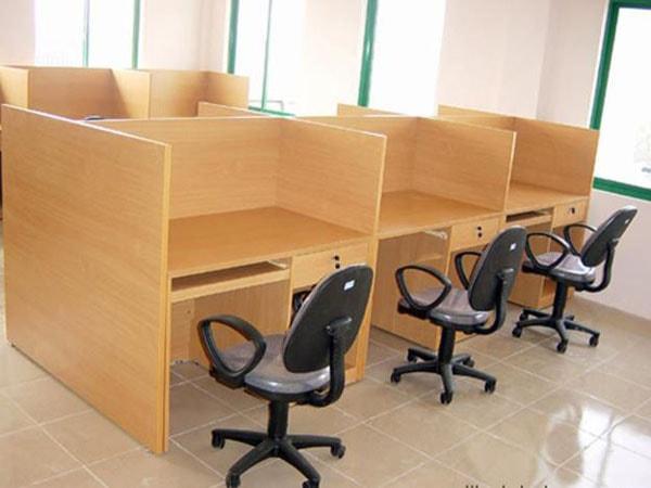 Giá cả vách ngăn gỗ văn phòng phụ thuộc vào chất lượng gỗ