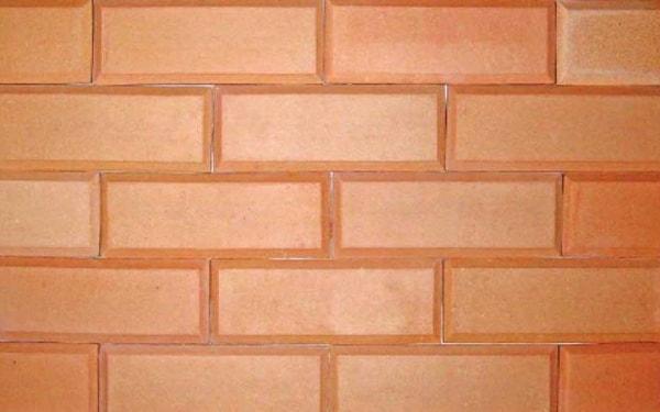 Sử dụng gạch ốp tường kém chất lượng ảnh hưởng đến sức khỏe người dùng