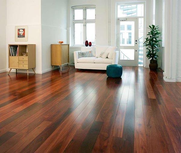 Sàn gỗ màu tối đem lại vẻ đẹp mộc mạc là một trong những mẫu sàn đang được ưa chuộng hiện nay
