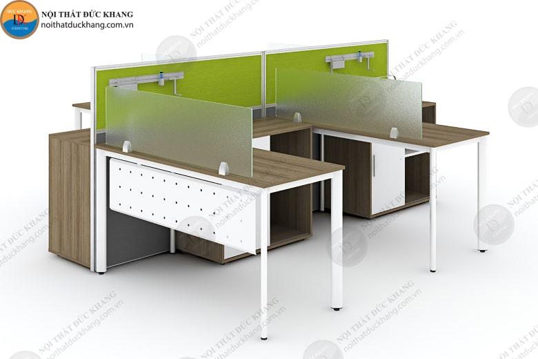 Vách ngăn bàn làm việc thiết kế bởi kính và gỗ