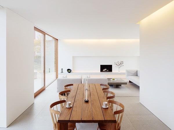 Phòng khách với thiết kế gỗ veneer kết hợp màu trắng