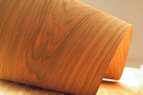 Những lát gỗ mỏng chưa tới 2mm để tạo bề mặt vách ngăn Veneer