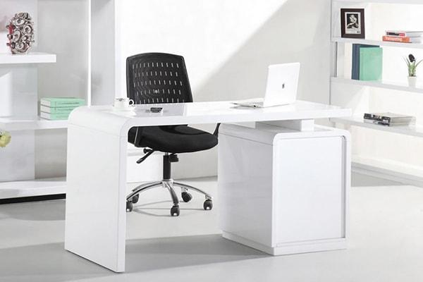 Hình dáng, màu sắc, kích thước bàn làm việc